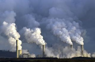 Generique - fumée sortant d'usines
