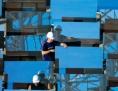 generique - panneau solaire + homme
