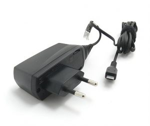 Chargeur de téléphone avec prise micro USB