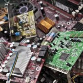 DEEE - tas de circuits imprimés